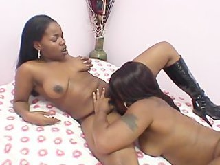 lesbo swarthy amateurs 4 - scene 7