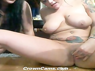 hot livecam beauty burns love tunnel with sexy wax