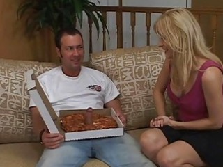 housewife having sex with the delivery lad