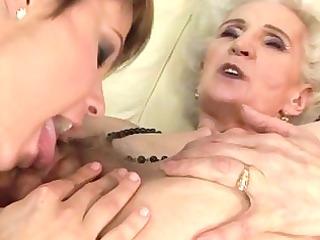 granny enjoying lesbo sex