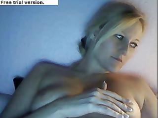 girlfriend showing off