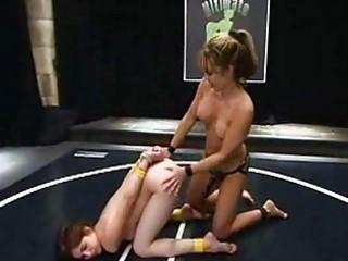 wrestling fuck lesbos