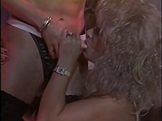 belt on sex tool fucking lesbian babes
