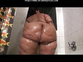large a-hole bella takes baths