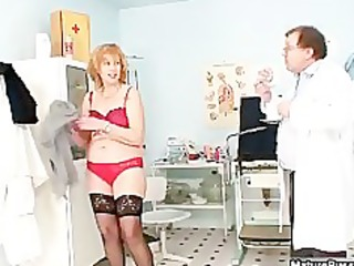 filthy old floozy getting her unshaved cum-hole