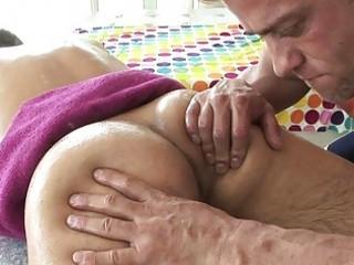 leeds oily massage cheerful endingp0