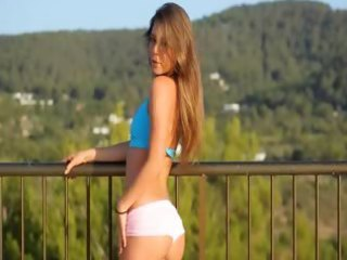 jaw-dropping analhole teasing on the balcony
