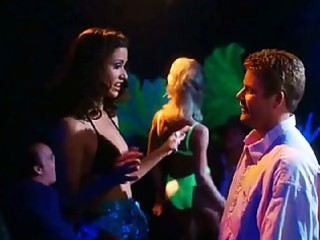 shannon elizabeth  dish dogs and enjoyment with