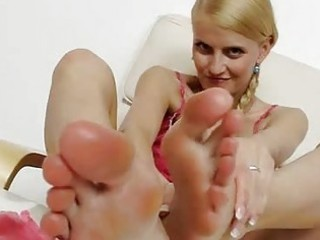 golden-haired chick kasia linsey foot fetish