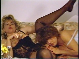 aged babes share a lad toy - julia reaves