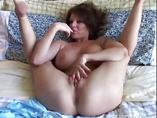 hawt mother i plays with her marvelous cunt