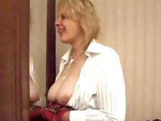 aged big beautiful woman squirting
