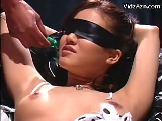 blindfolded cutie in servitude squirting whilst