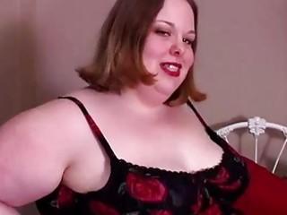 hot big beautiful woman sucks knob for a facial