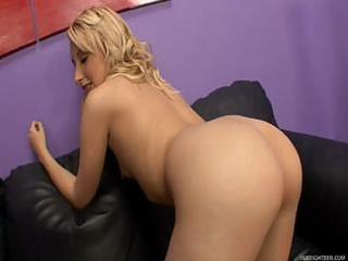 mallory rae murphy gives access to her vagina