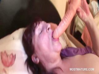 big beautiful woman hawt aged tramp fingering her