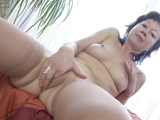 aged mother t live without to play with herself