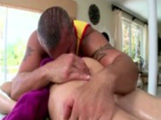 str boy acquires a fleshly massage