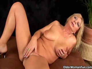 busty grandma squirts her snatch juice as that is