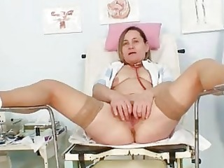 unpretty elder mommy wears nylons and toys hersel