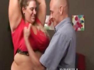 big beautiful woman bulky plumper is giving head