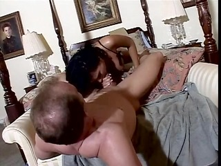 lucky boyfrend acquires a blow job from a
