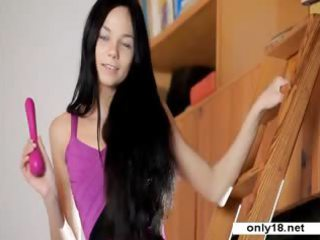 27 years pretty jasmin cumming with sextoy