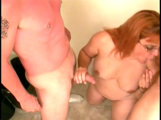 skanky older broad sucks juvenile fellas strapon