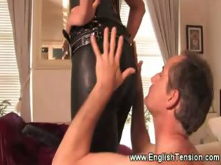 hawt leather clad female-dom queens her sub