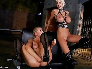 puma swede and vega vixen place in full hand in