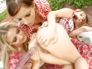 threesome lezzs can arsehole toying
