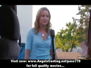 lesbo beauties flashing love muffins in a car