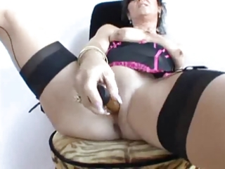 mamma craves large weenie but now gold sex tool hv